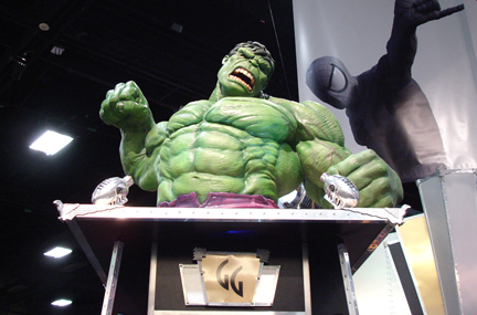 Giant Hulk with Spidey photobomb