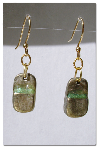 gold rounded rectangle earrings with resin ledge