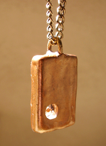 square pendant back angle